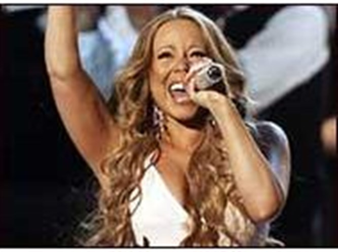 Mariah Carey yeniden zirvede